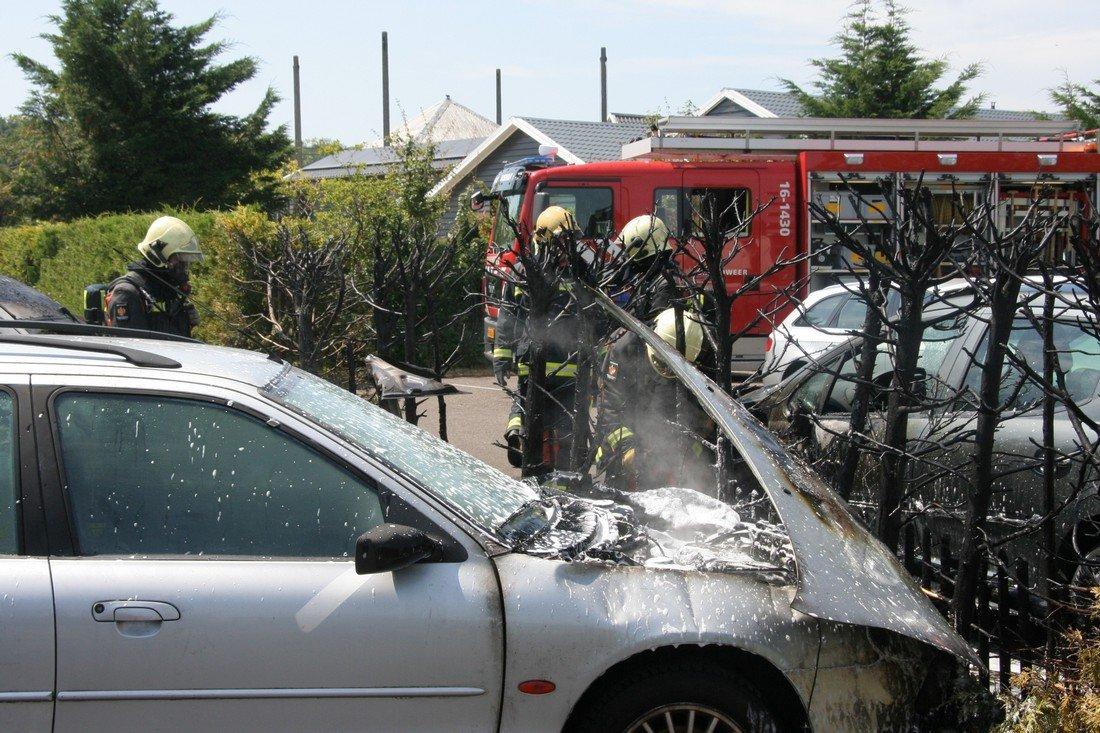 Auto's in brand Oosteinde Warmond
