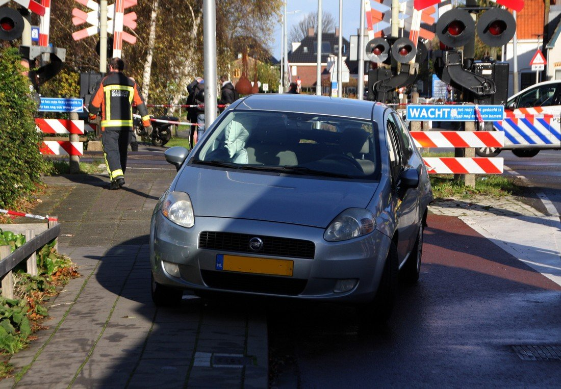 Ongeval trein/auto Herenstraat Voorhout