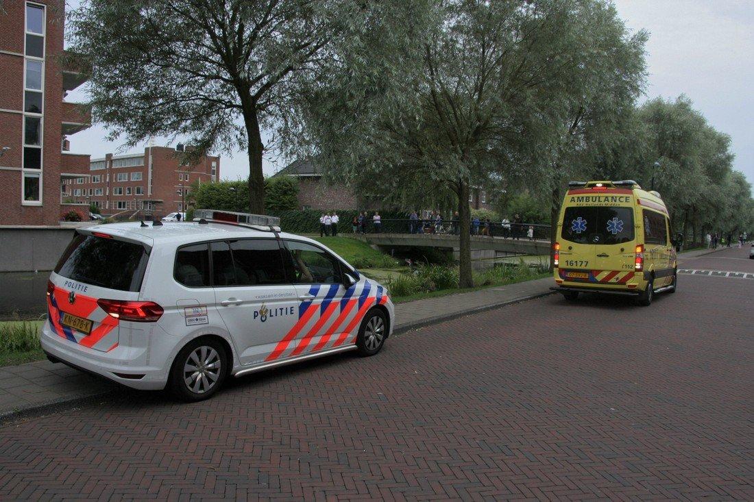 Auto te water Zuidbroek in Noordwijk