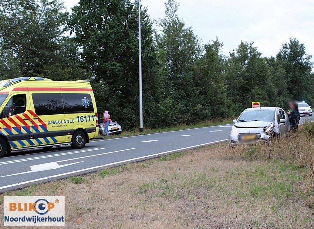 Auto's botsen op  afrit N206 's- Gravendamseweg
