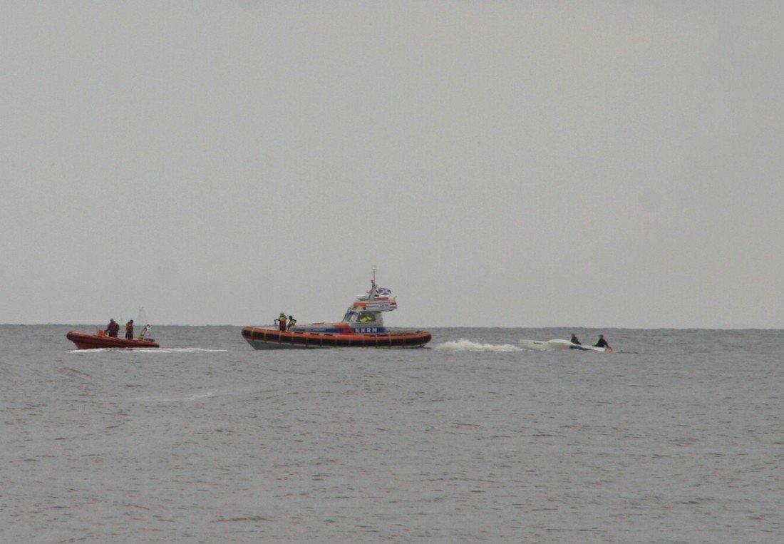 Inzet NRB voor een catamaran met gebroken mast Noordwijk