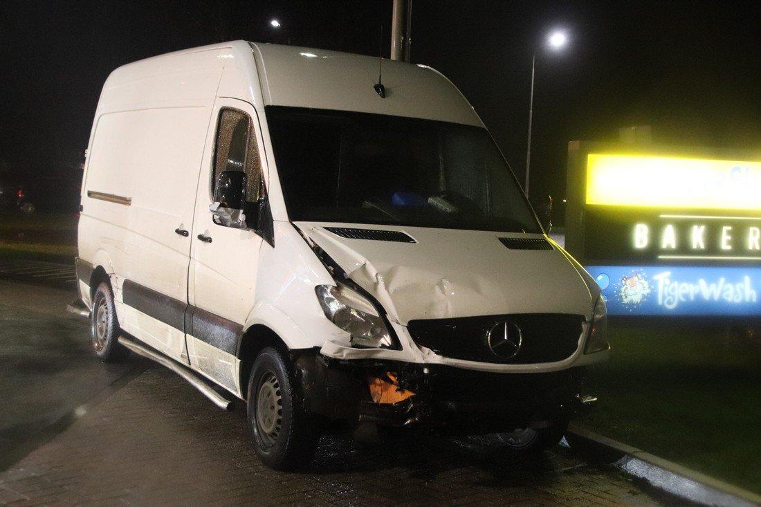 Ongeval 4 voertuigen Oosthoutlaan Sassenheim