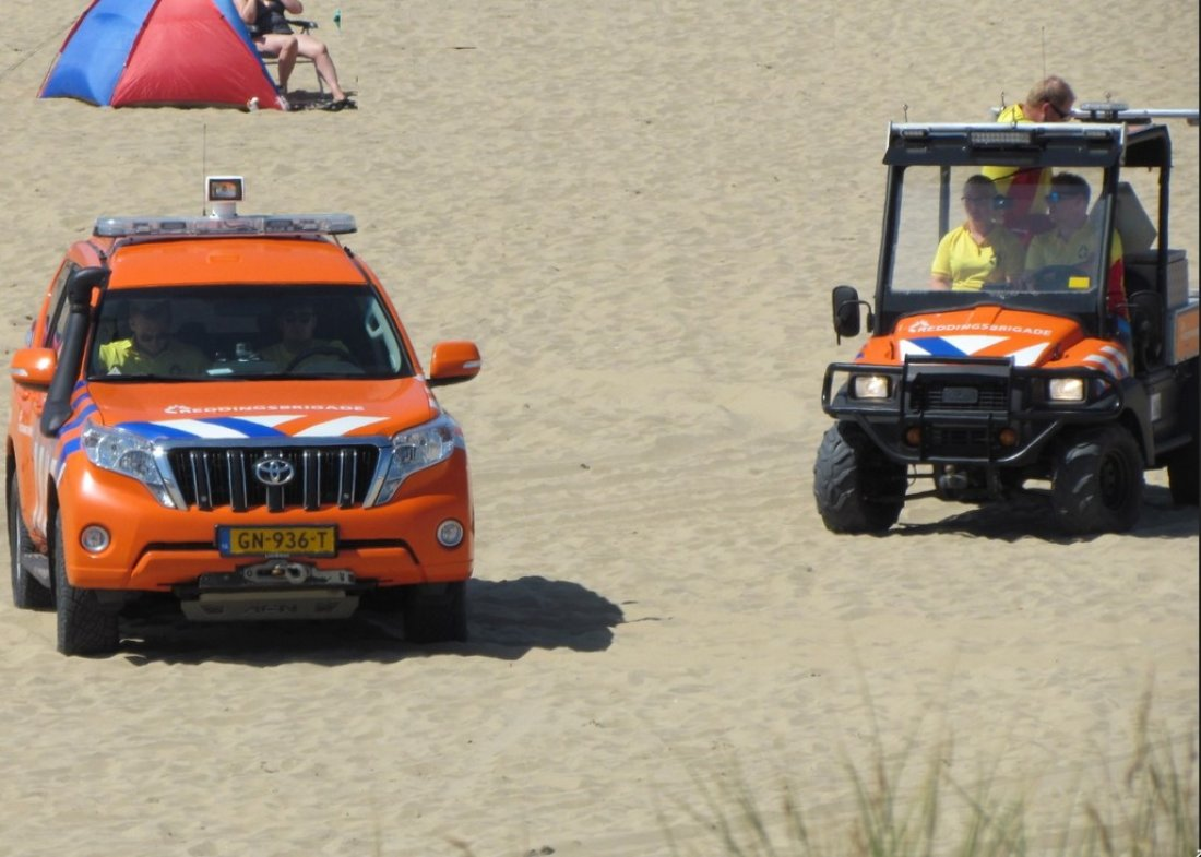 Persoon onwel strand Katwijk