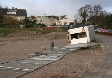Flink wat stormschade in Noordwijk