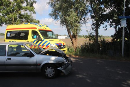 Ongeval auto tegen tractor Achterweg-Zuid Lisse