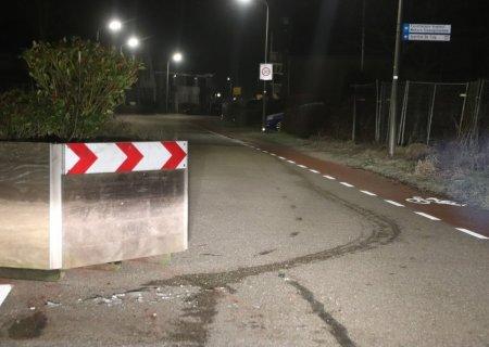 Alcoholmobilist ramt plantenbak en parkeert auto verderop Voorhout