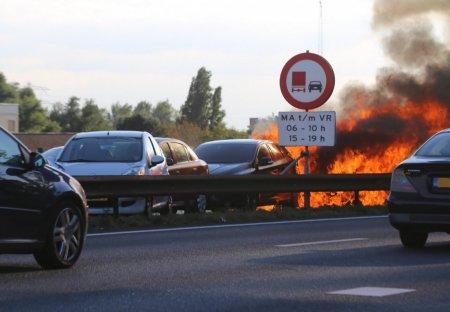 Ongeval zorgt voor grote ravage op de A44 Sassenheim