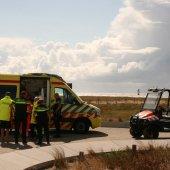 Kitesurfer raakt gewond bij val op het strand van Katwijk