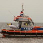 KNRM Noordwijk vaart uit voor luchtbed