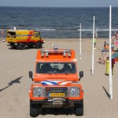 Vrouw onwel strand Noordwijk
