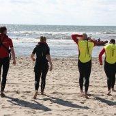 Paraglider raakt zwaar gewond na val op het strand van Noordwijk